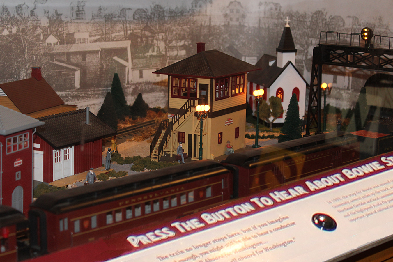 "Bowts 7 : ""All Aboard"" A/V train model of Bowie Junction tells town history as train passes through"