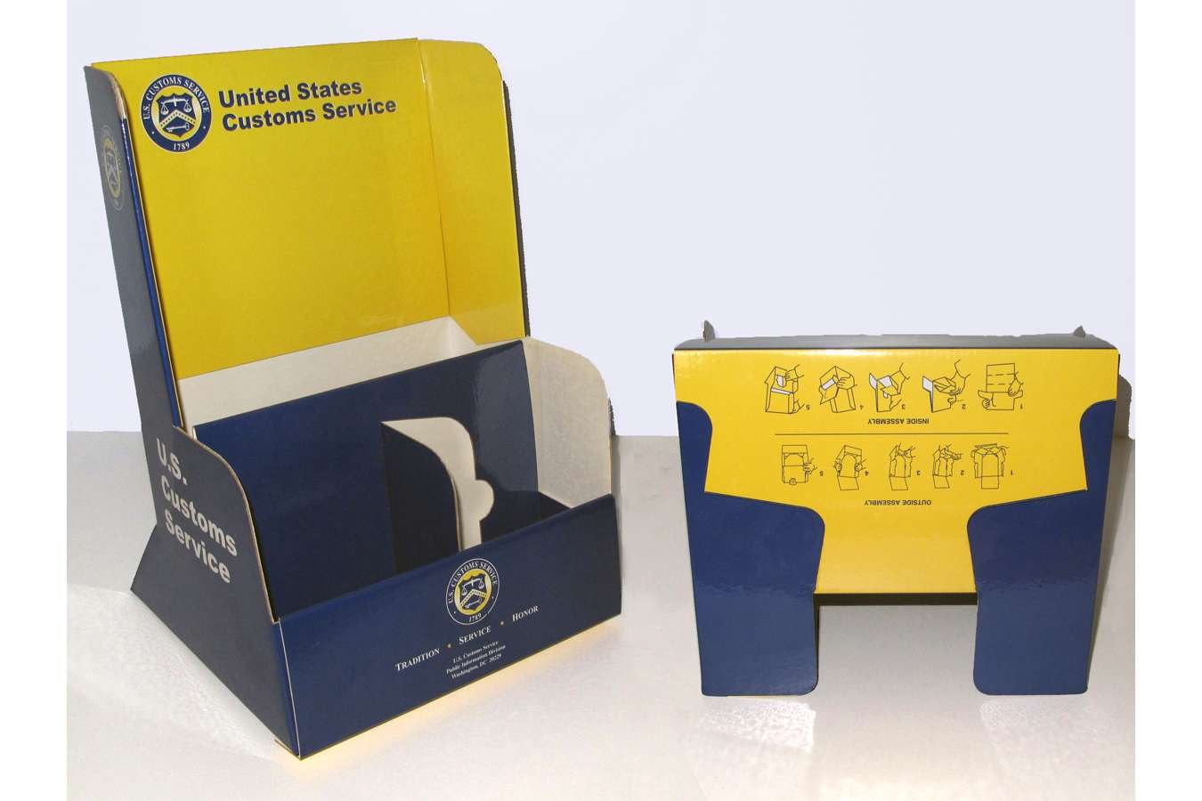 USCBP 6 Holder : US Customs brochure holders used at airports and ports of entry to the USA